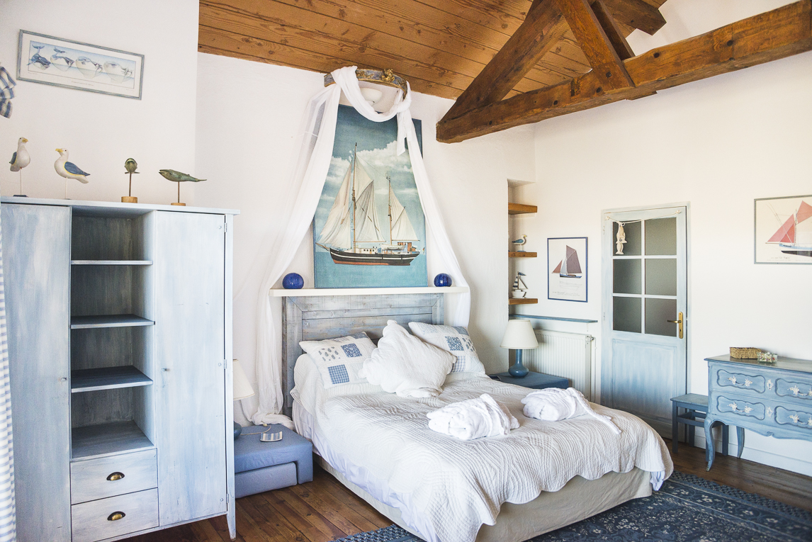 Séance photo chambres d'hôtes Ariège - chambre marine - Photographe B&B