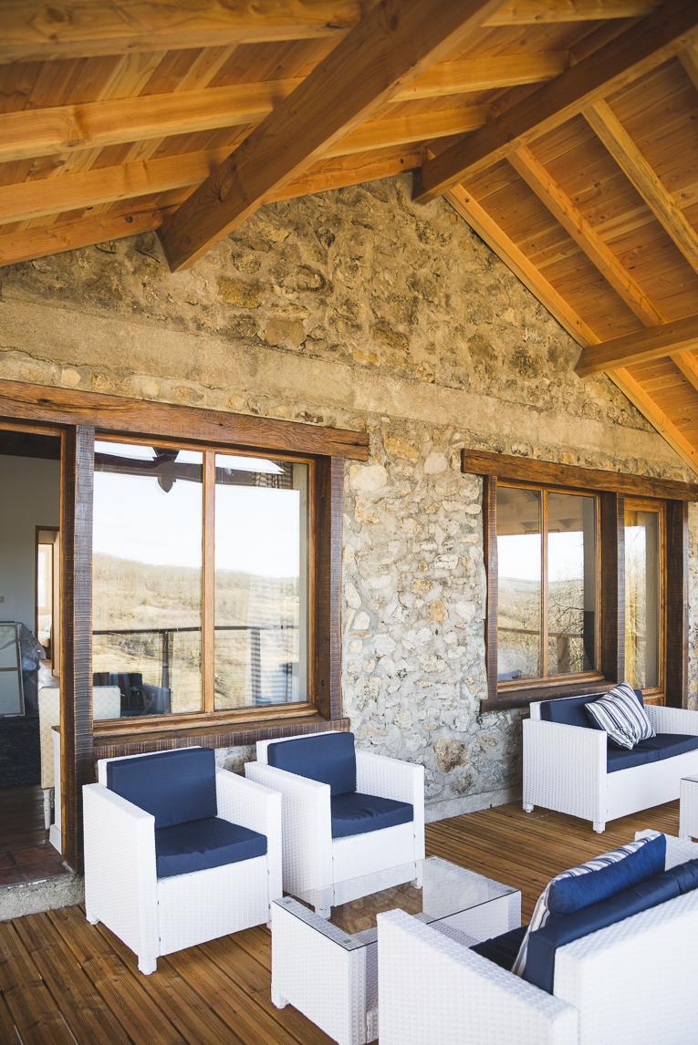 Séance photo chambres d'hôtes Ariège - chambres et terrasse extérieure - Photographe B&B