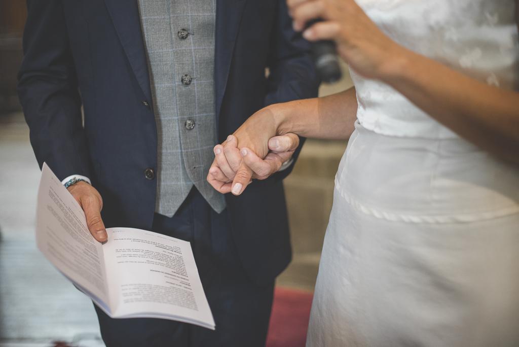 Reportage mariage Auch - Cérémonie religieuse - échange des voeux - Photographe mariage Gers