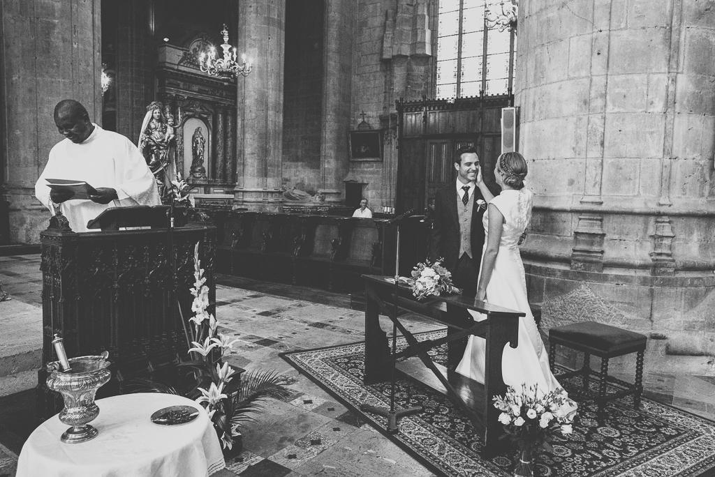 Reportage mariage Auch - Cérémonie religieuse - échange des alliances - Photographe mariage Gers