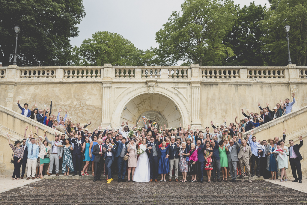 Reportage mariage Auch - Photo de groupe sur escaliers monumentaux - Photographe mariage Gers