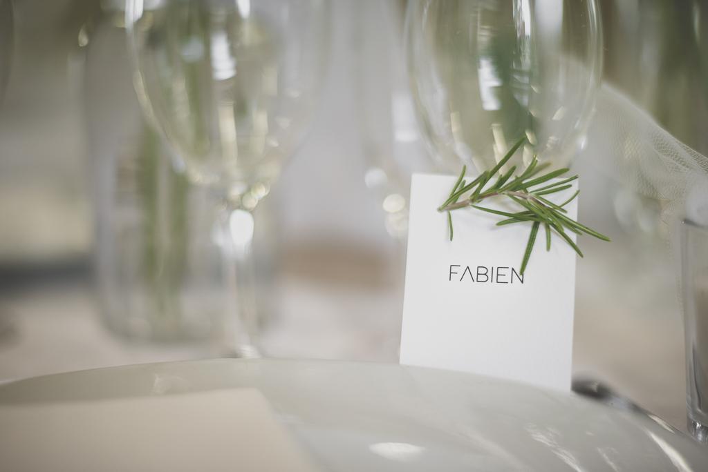 Reportage mariage Auch - décoration de table - marque place - Photographe mariage Gers