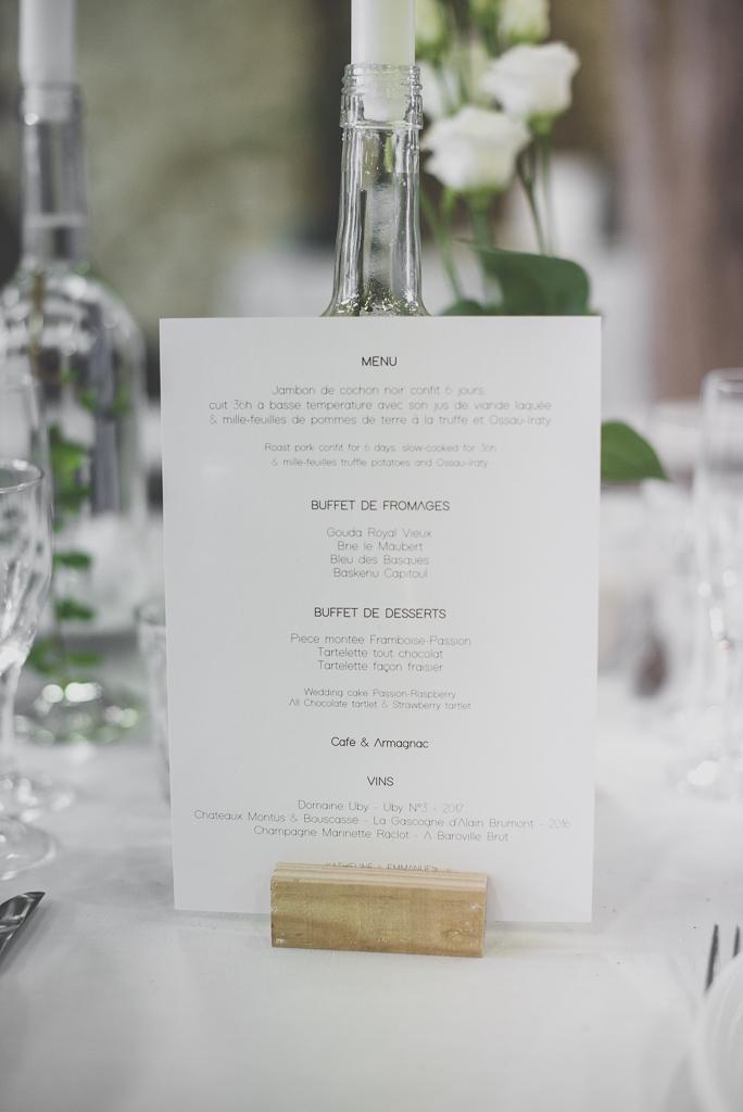 Reportage mariage Auch - décoration de table - menu - Photographe mariage Gers