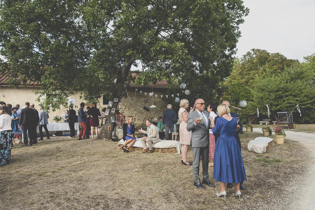 Reportage mariage Auch - vin d'honneur en extérieur - Photographe mariage Gers