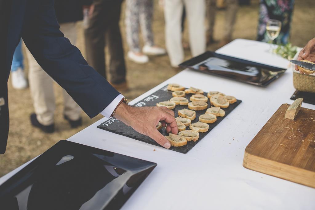 Reportage mariage Auch - canapés avec foie gras - Photographe mariage Gers
