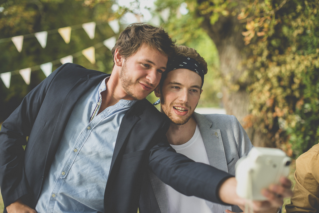 Reportage mariage Auch - selfie invités - Photographe mariage Gers