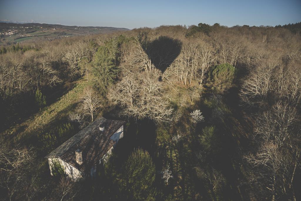 Photos vol montgolfière Haute-Garonne - ombre montgolfière au-dessus maison - Photographe Toulouse