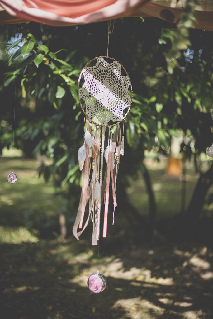 Reportage mariage automne Saint-Gaudens - attrape rêve décoration cérémonie laique - Photographe Saint-Gaudens