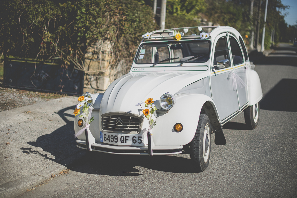 Reportage mariage automne Saint-Gaudens - décoration voiture - Photographe Saint-Gaudens