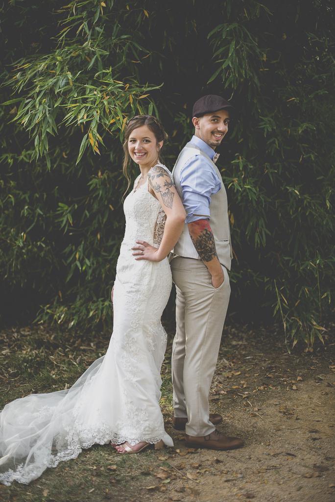 Reportage mariage automne Saint-Gaudens - portraits des mariés tatoués - Photographe Saint-Gaudens