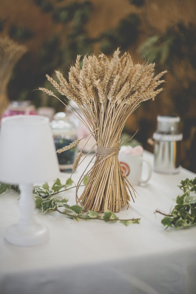 Reportage mariage automne Saint-Gaudens - décoration bouquet épis de blé - Photographe Saint-Gaudens