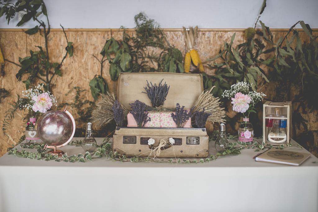 Reportage mariage automne Saint-Gaudens - décoration table du livre d'or - Photographe Saint-Gaudens